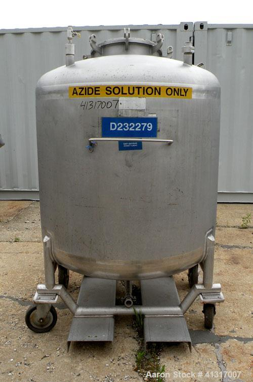 Used- Mueller Tank, 275 Gallon, Model F, 316 Stainless Steel, Vertical. 46'' diameter x 36'' straight side, dish top and bot...