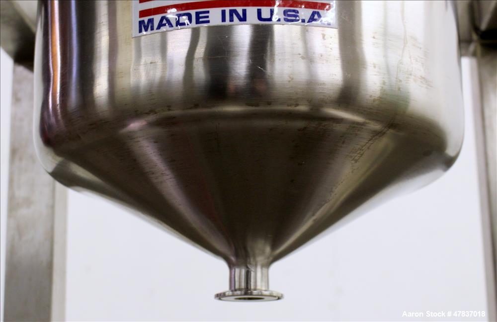 """Used- Precision Stainless Pressure Tank, 25 Liter (6 Gallon), 316L Stainless Steel, Vertical. 12"""" Diameter x 16"""" straight si..."""