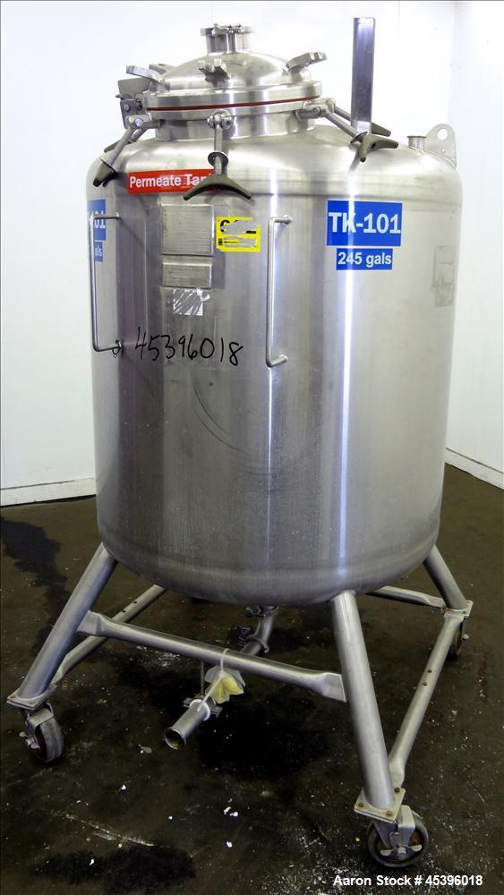 Used- 800 Liter Stainless Steel Precision Stainless Pressure Tank