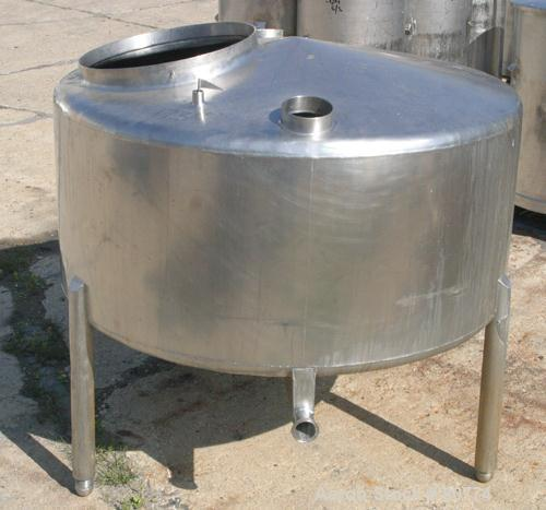 "USED: St Regis tank, 175 gallon, 304 stainless steel, vertical. 48"" diameter x 19"" straight side. Slight coned top and botto..."