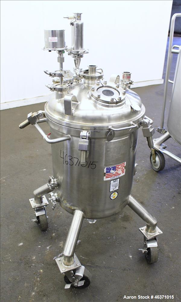 """Used- Stainless Fabrication Pressure Tank, 22.5 Gallon (85 Liter), 316L Stainless Steel, Vertical. 18"""" Diameter x 17"""" straig..."""