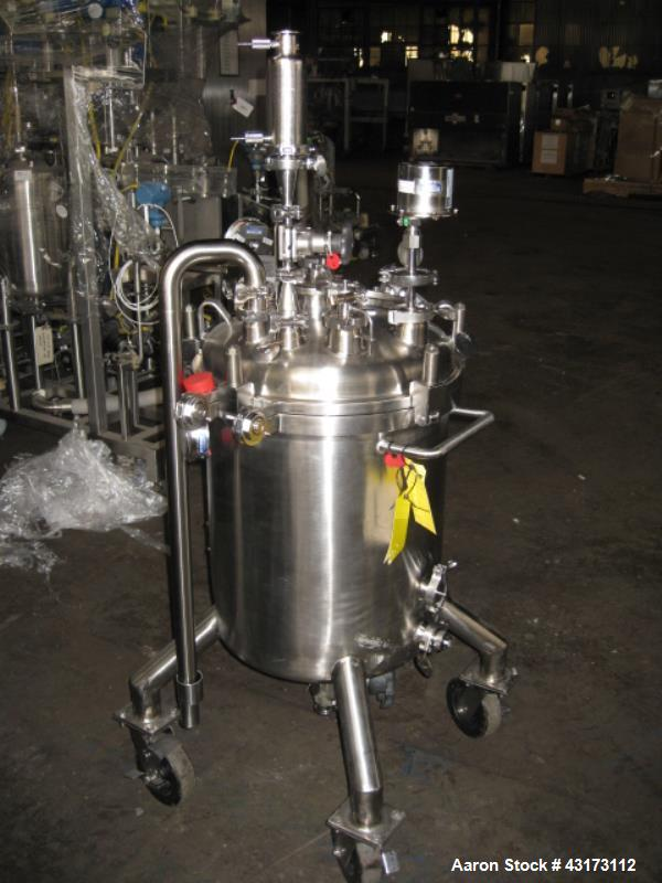 """Used- SFI Pressure Tank, 85 Liter. 316L Stainless steel construction, 18"""" diameter x 20"""" straight side, removable dish top, ..."""