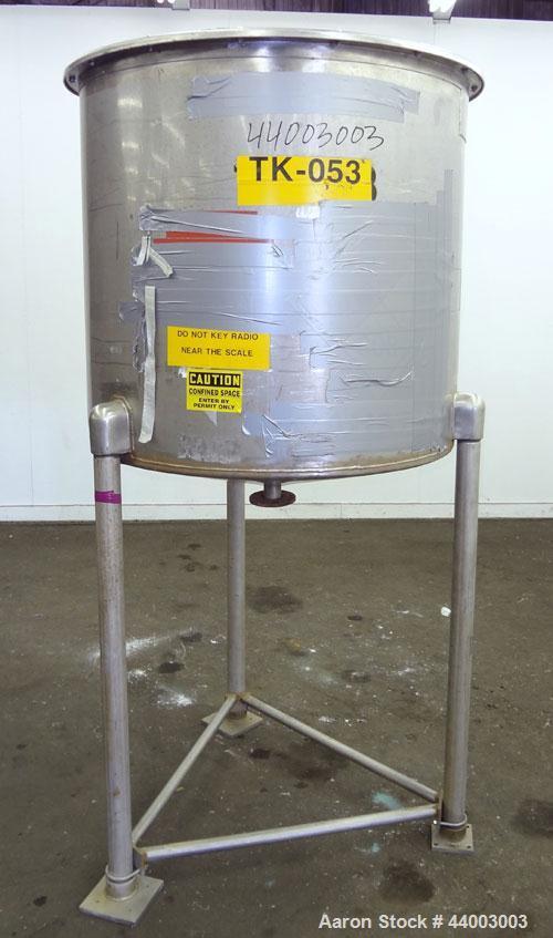 "Used- United Utensils Tank, 150 Gallon, Model VT-150, 304 Stainless Steel, Vertical. Approximate 38"" diameter x 35"" straight..."