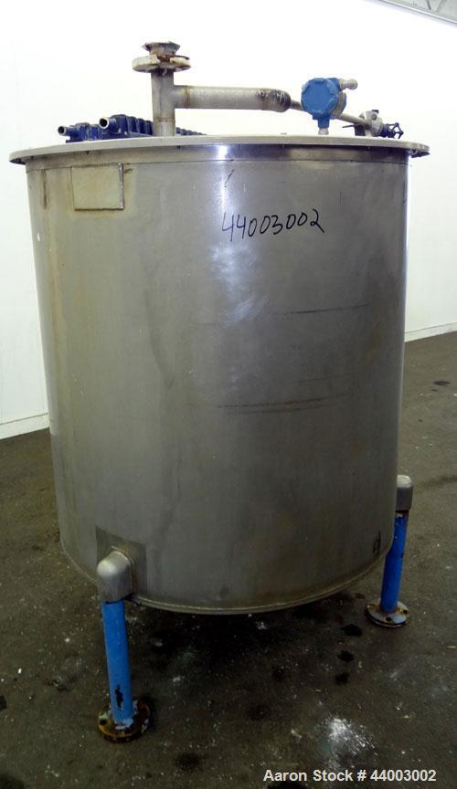 "Used- United Utensils Tank, 300 Gallon, Model VT-300, 304 Stainless Steel, Vertical. Approximate 45"" diameter x 47"" straight..."