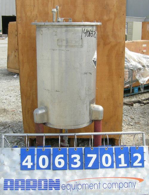 """Used- United UtensilsTank,30 Gallon,model VT-30, 304 stainless steel, vertical.18"""" diameter x29 1/2""""straight side, ope..."""