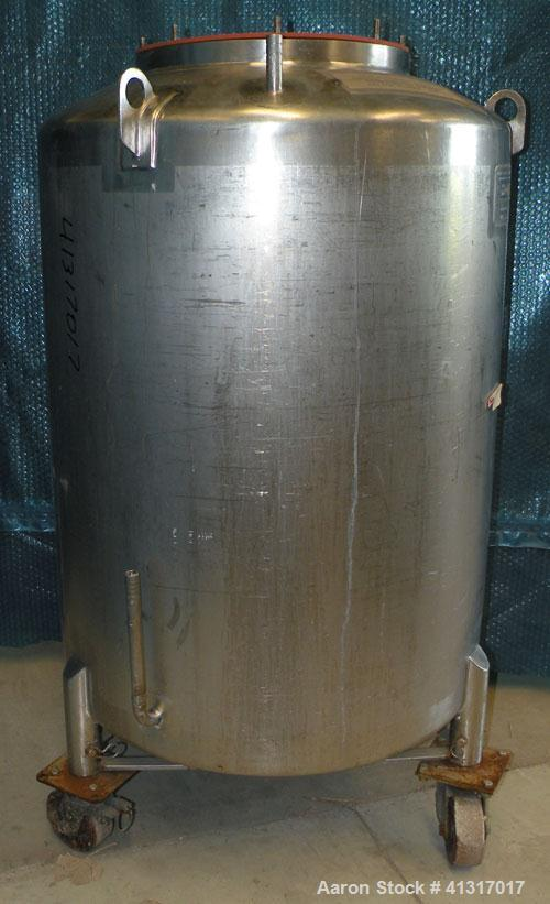 """Used- Walker Stainless Pressure Tank,120 Gallon, 304 Stainless Steel, Vertical.30"""" diameter x 36"""" straight side.Dish top ..."""
