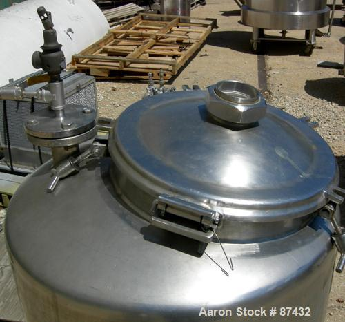 """USED: Walker Stainless pressure tank, 75 gallon, 316 stainless steel, vertical. 28"""" diameter x 26"""" straight side, dish top a..."""