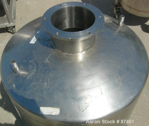 "Used- Will Flow Pressure Tank, 60 Gallon, 304 Stainless Steel, Vertical. 24"" Diameter x 27"" straight side, dish top and bott..."