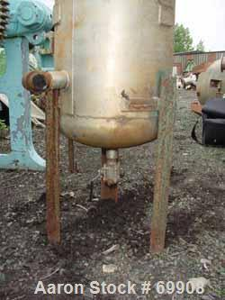 "USED: Wood Industries pressure tank, 25 gallon, stainless steel, vertical. 16"" diameter x 28"" straight side, dish top and bo..."