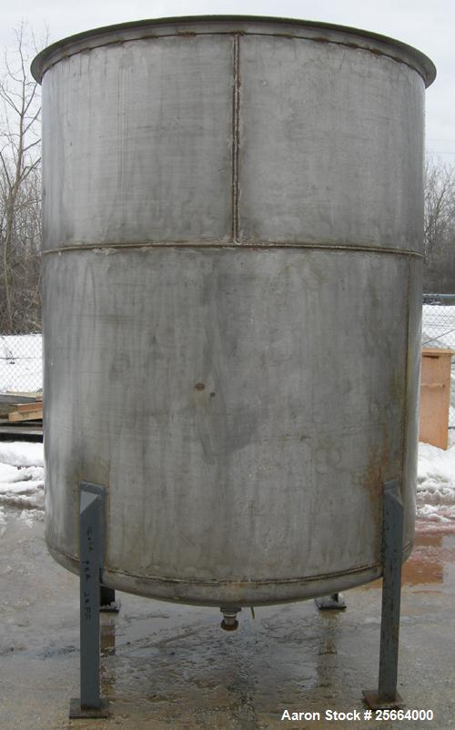 Used- 1200 Gallon Stainless Steel Tank