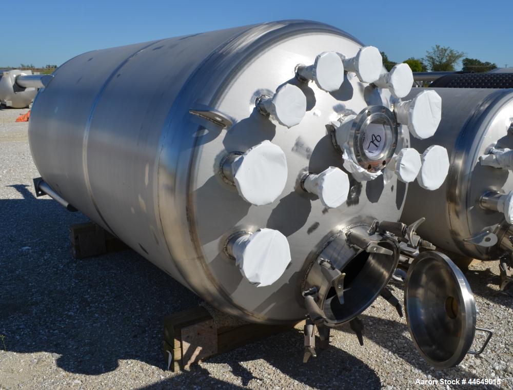 "Unused- Holloway America Pressure Tank, 1200 Gallon, 316L Stainless Steel, Vertical. Approximate 60"" diameter x 100"" straigh..."