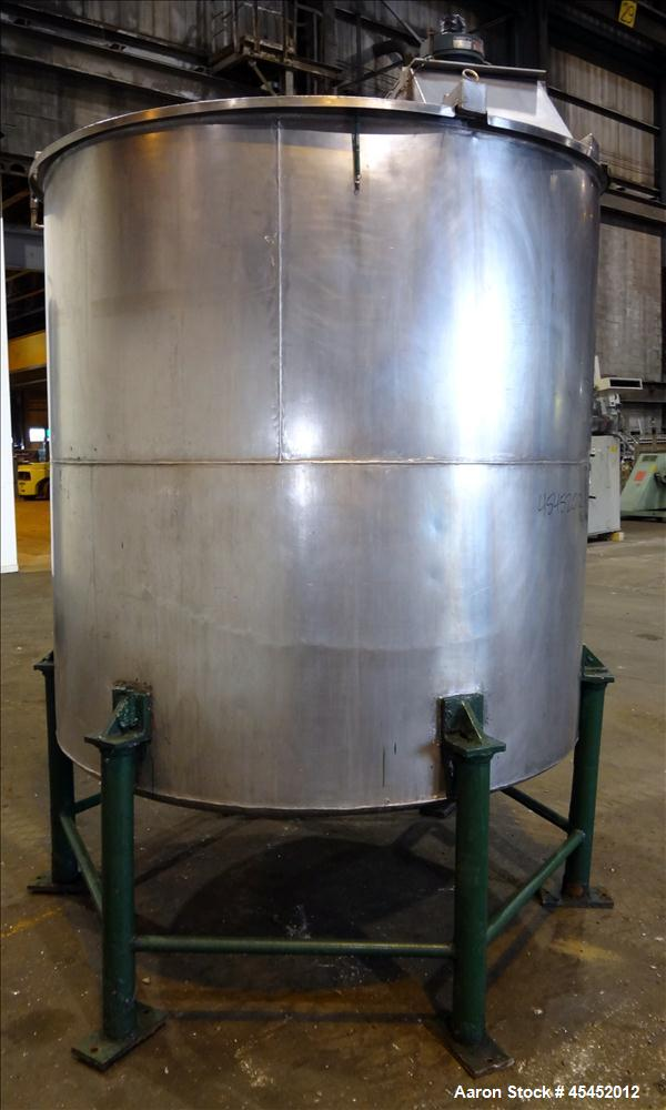 """Used- Tank, 1,200 Gallons, 304 Stainless Steel, Vertical. Approximate 71"""" diameter x 71"""" Straight Side, Flat Top and Dish bo..."""