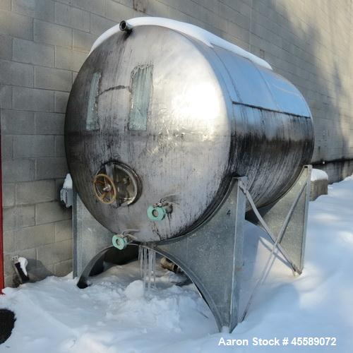 Used- Tank, Approximate 1,500 Gallon, Stainless Steel, Horizontal.
