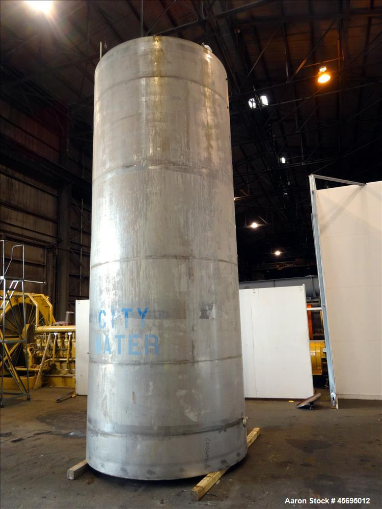 Used- Tank, 4750 Gallon, 304 Stainless Steel, Vertical.
