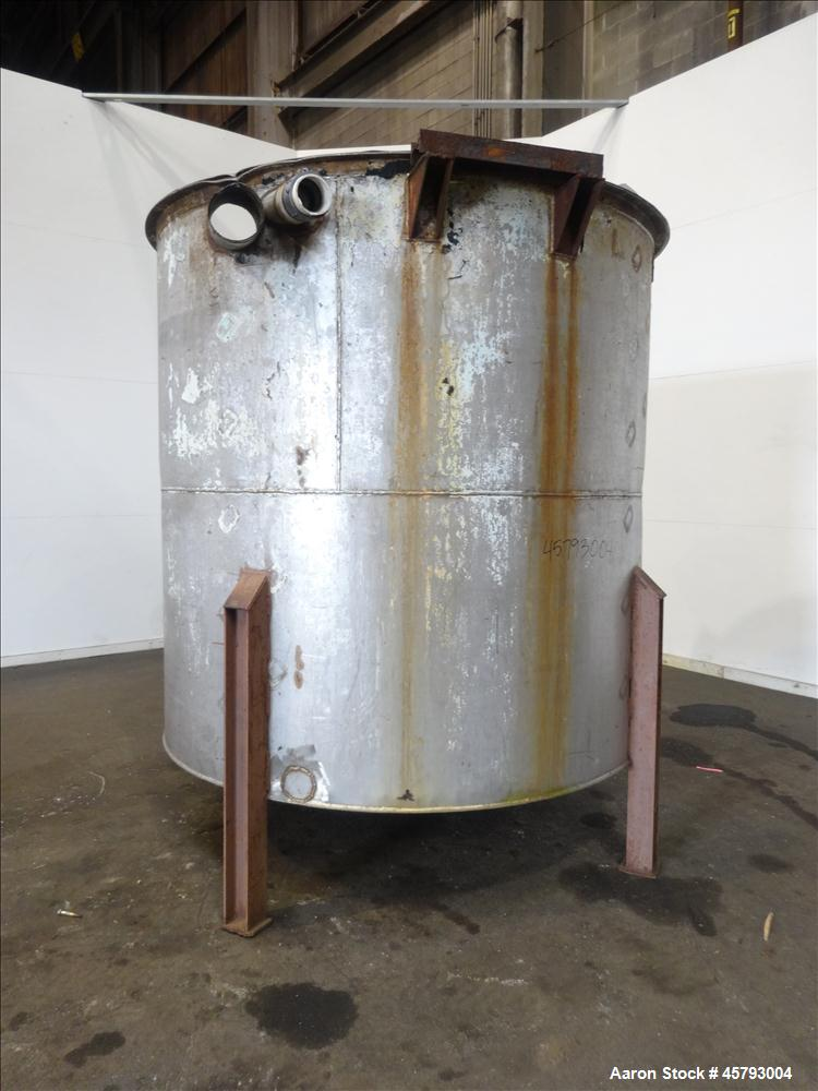 Used- Tank, Approximately 1,900 Gallon, 316 Stainless Steel, Vertical.
