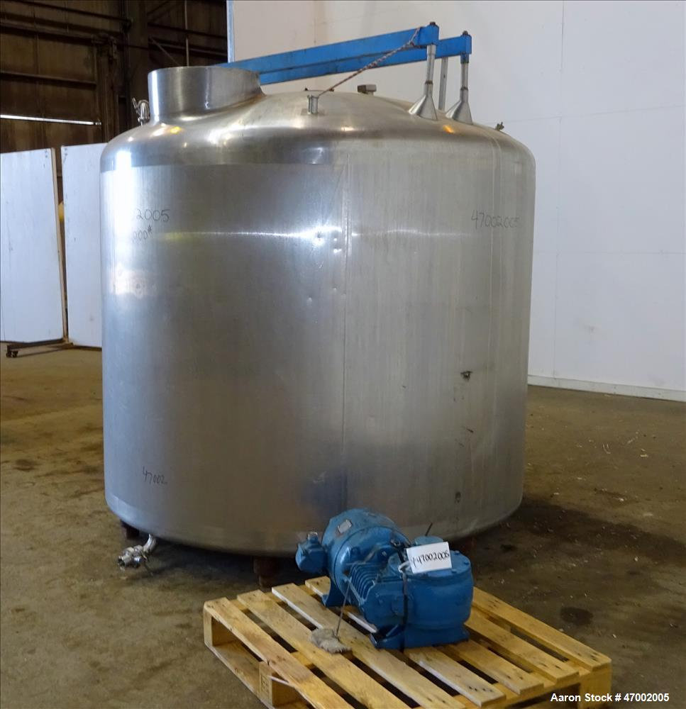 Used- Mixing Tank, 1,500 Gallon, 304 Stainless Steel, Vertical.