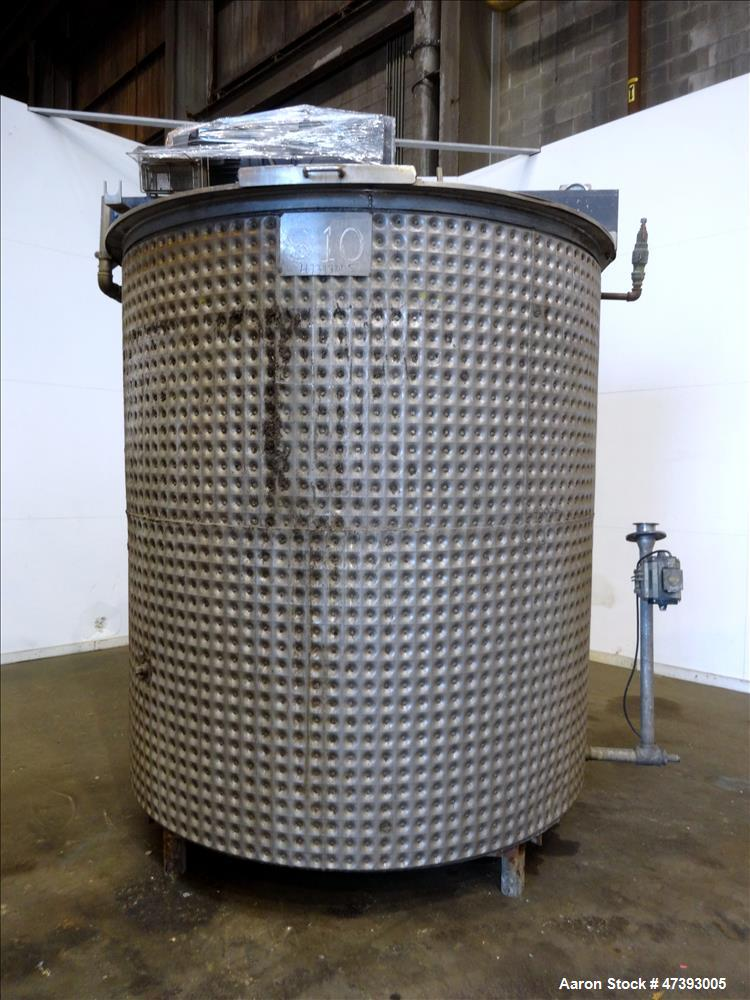 Used- Mixing Tank, Approximate 2,000 Gallon, Stainless Steel, Vertical.