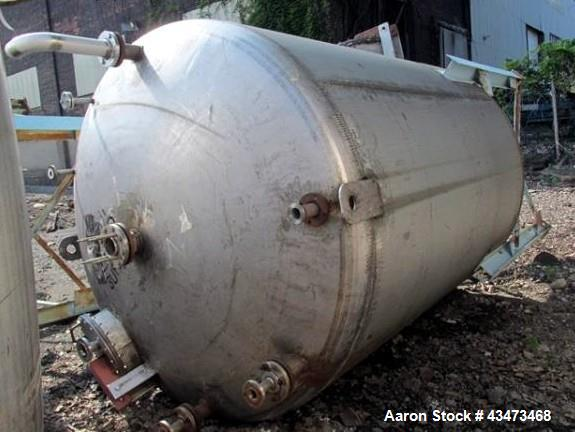 "Used- Buffalo Pressure Tank, 4,000 Gallon, 304 Stainless Steel, Vertical. Approximate 96"" diameter x 117"" straight side, dis..."