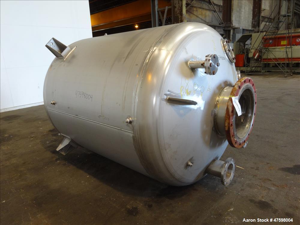 Unused- Crown Iron Works Pressure Tank, 1100 Gallon, 304L Stainless Steel, Verti