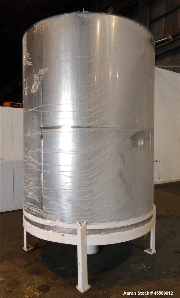 Used 2500 Gallon Douglas Brothers 304 Stainless Steel Vertical Tank