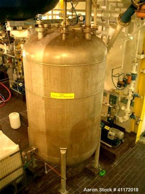 """Used- Echo Engineering Pressure Tank, 1453 Gallon (5,500 liter), Stainless Steel, Vertical. Approximately 70"""" (1800 mm) diam..."""