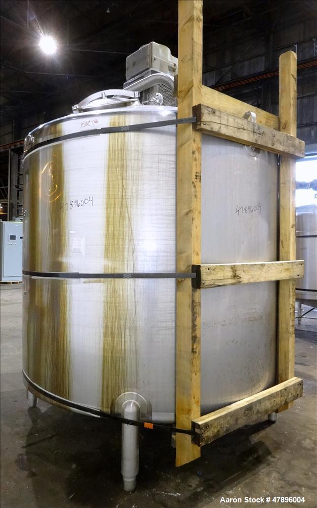 Used- Feldmeier Mix Tank, 2,000 Gallon, 304 Stainless Steel, Vertical.