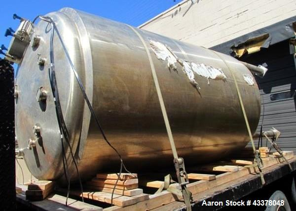 """Used- Feldmeier Pressure Tank, 2000 Gallon. Stainless steel construction, approximate 72"""" diameter x 114"""" straight side. Int..."""