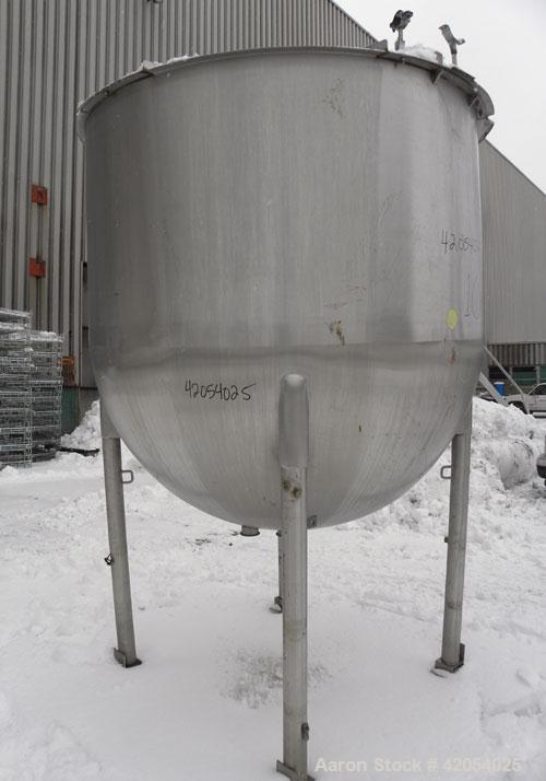 "Used- Lee Metal Products Tank, 1000 Gallon, Model 1000A, 316 Stainless Steel, Vertical. 72"" diameter x 72"" deep. Open top 1/..."
