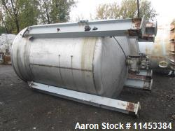 Used- 4500 Gallon Agitated Tank. 316 stainless steel construction, approximately 8' diameter x 11' straight side, dish top a...