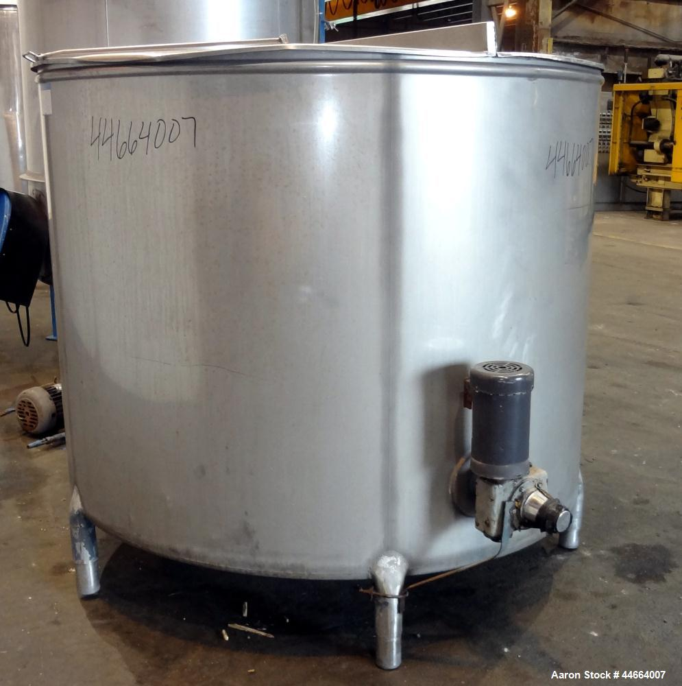 """Used- Mueller Tank, 1055 Gallon, 304 Stainless Steel, Vertical. Approximate 76"""" Diameter x 57"""" straight side, open top with ..."""