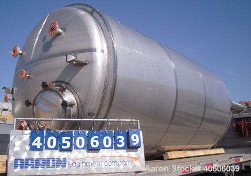 "Unused- Mueller Pressure Tank, 2,500 Gallon, Model ""F"", 304 stainless steel,  vertical. 72"" diameter x 144"" straight side, d..."