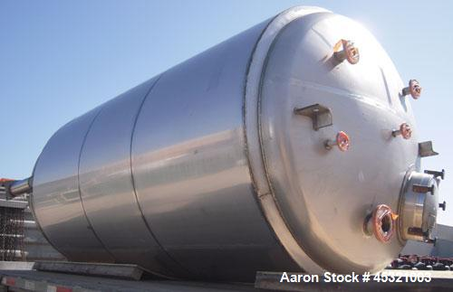 "2,500 Gallon Stainless Steel Mueller Pressure Tank, Model ""F"""