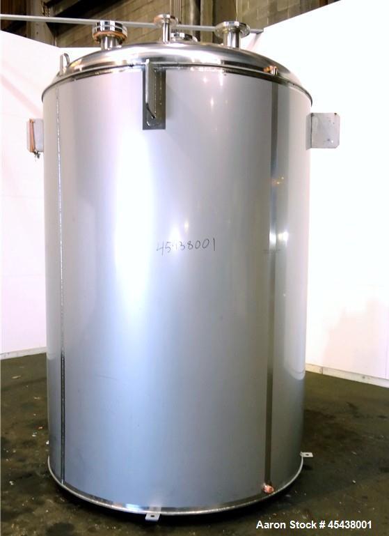 1660 Gallon Stainless Steel Mueller Pressure Tank, Model F