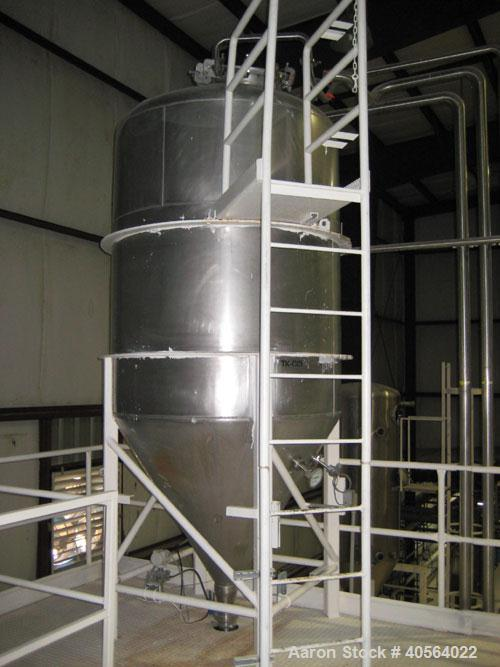 Used- Fran Rica Tank, 1000 gallon, stainless steel, vertical. 5' diameter x 6' straight height x 4' deep cone bottom. Used a...