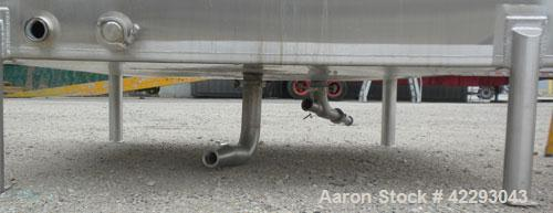 """Used- SquareTank, 1400 Gallon, 304 stainless steel, vertical. Approximately 66"""" long x 66"""" wide x 76"""" tall.Flat top and bo..."""