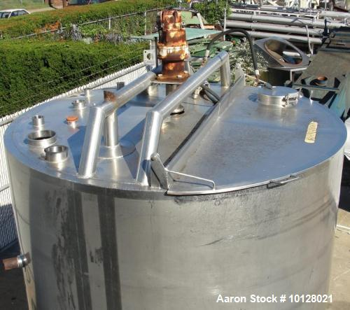 Used- 1,000 Gallon Vertical Stainless Steel Walker Mixing Tank.