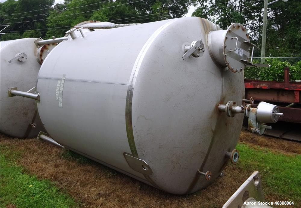 Used- Walker 2500 Gallon Tank, 304L Stainless Steel, Vertical.
