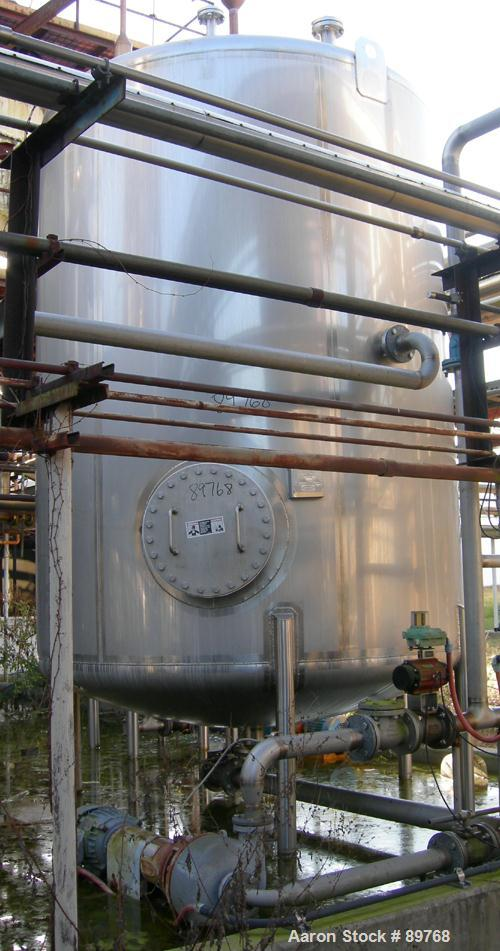USED: Walker 3,500 gallon, type 304L stainless steel, storage tank. Vertical, dished heads. Approximate 8' diameter x 10' st...