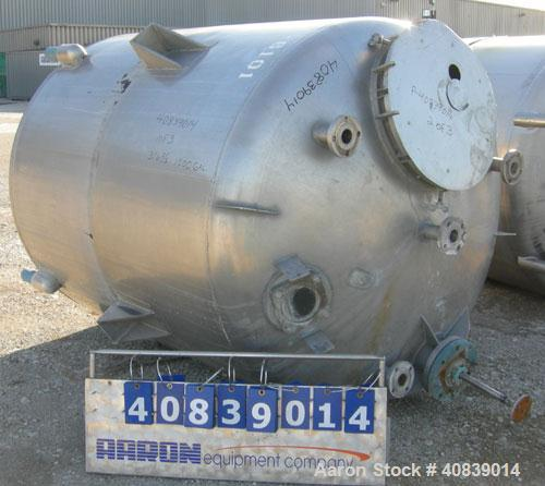"Used- Will-Flow Pressure Tank, 1000 Gallon, 316 Stainless Steel, Vertical. 66"" diameter x 72"" straight side. Dish top and bo..."