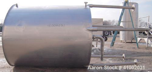 """Used- Tank, 600 Gallon, 304 Stainless Steel, Vertical.54"""" diameter x 60"""" straight side.Flat top with 1 piece hinged cover, s..."""