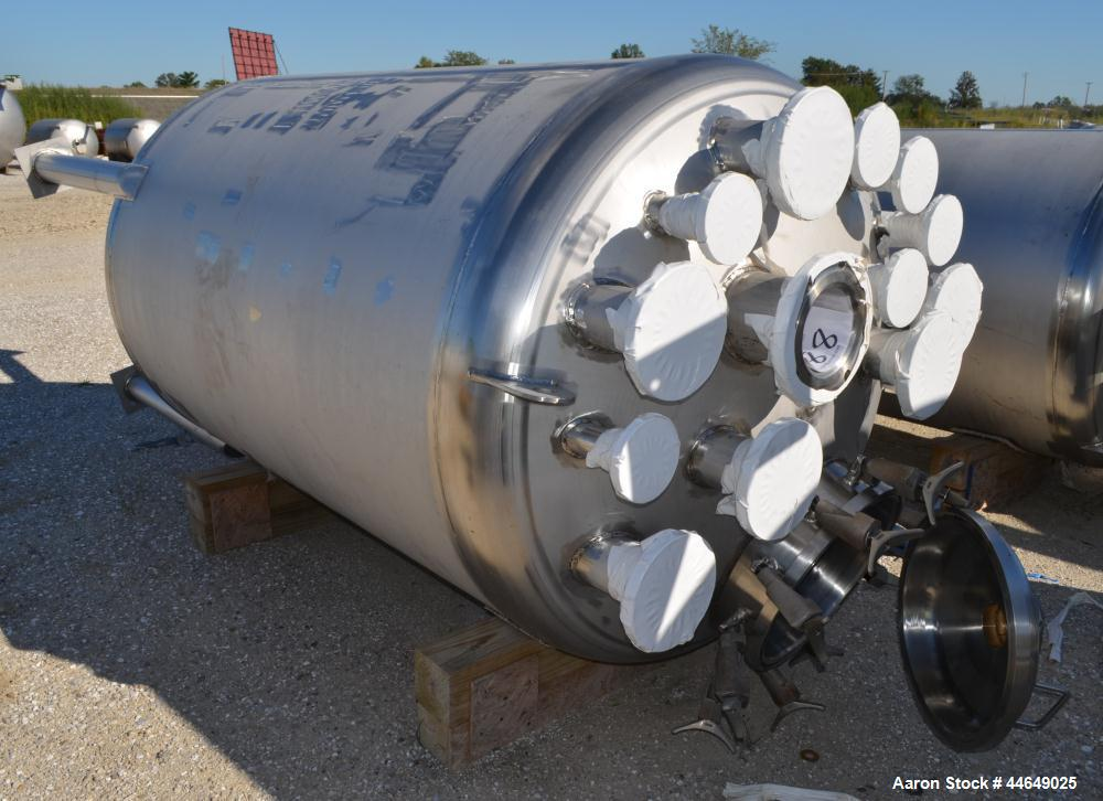 """Unused- Holloway America Pressure Tank, 775 Gallon, 316L Stainless Steel, Vertical. Approximate 54"""" diameter x 74"""" straight ..."""