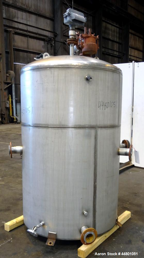 Used- 550 Gallon Stainless Steel Par Piping & Fabrication Tank