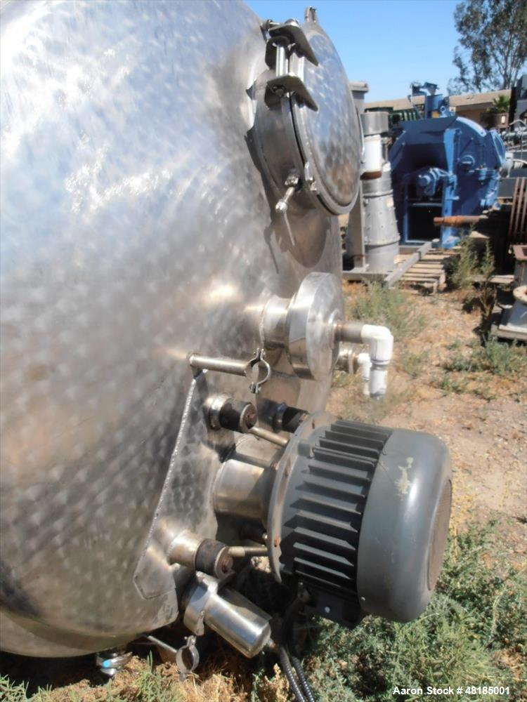 Used- Mixing Tank, Approximate 850 Gallon, Stainless steel.