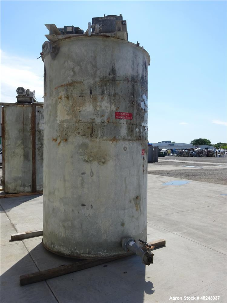 Used- Tank, Approximate 2,200 Gallon, 304 Stainless Steel, Vertical.
