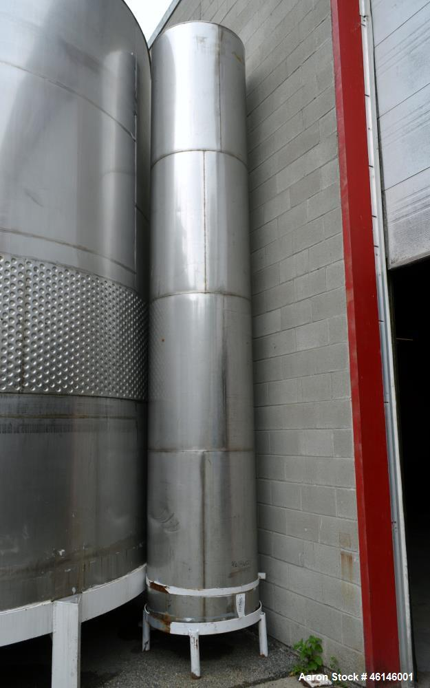 Used- Tank, 850 Gallon, Stainless Steel, Vertical