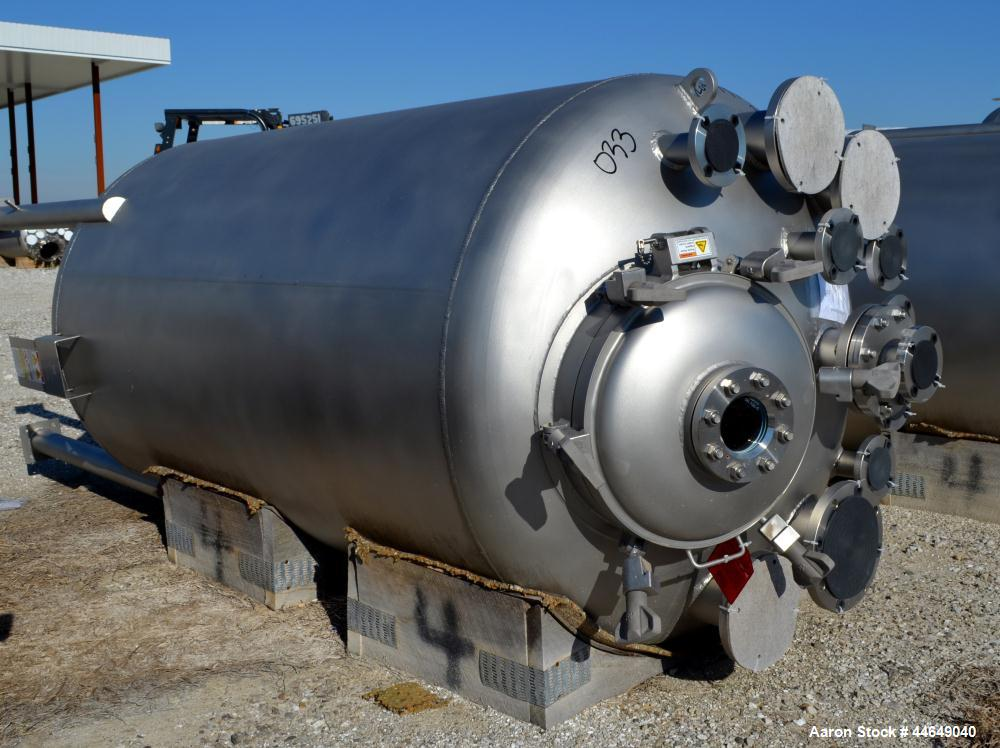 "Unused- DCI Pressure Tank, 686 Gallon (2600 Liter), 316L Stainless Steel, Vertical. Approximate 48"" diameter x 78"" straight ..."