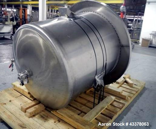 Used- Lee Industries Pressure Tank, 525 Gallon, Model 525 DBT. Stainless steel construction, approximately 4' diameter x 4' ...