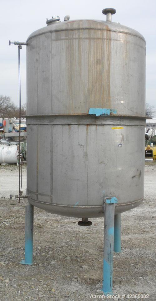 "Used- Lee Metal Products Pressure Tank, 500 gallon, model DBT, 316 stainless steel, vertical. Approximate 48"" diameter x 60""..."
