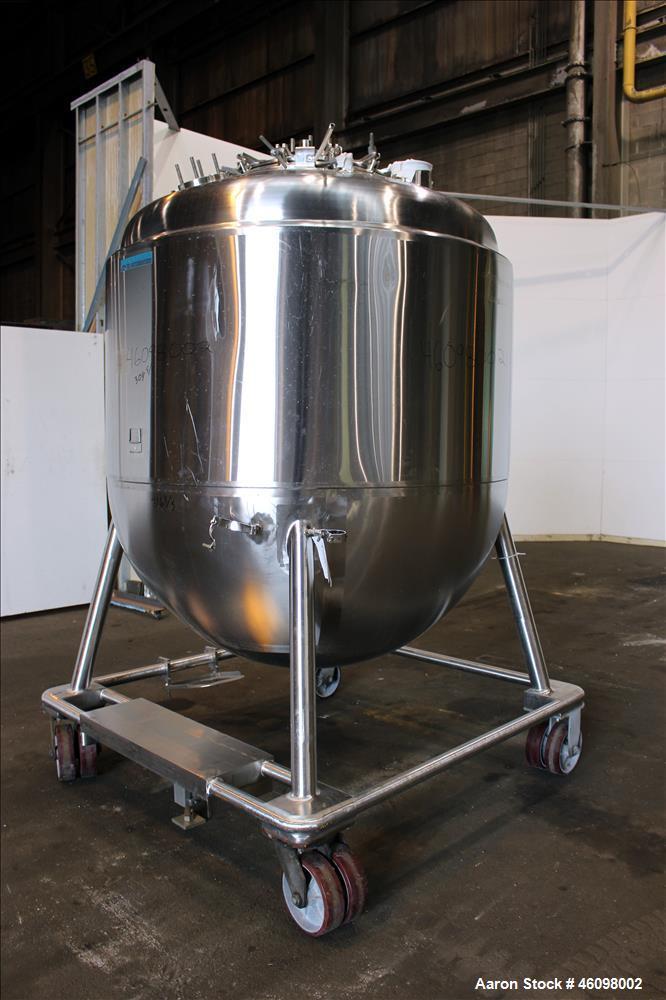 "Used- Mueller Pressure Tank, 2500 Liter(660.43) Gallon, Model Z 2500, 316L Stainless Steel, Vertical. 60"" Diameter x 36"" str..."