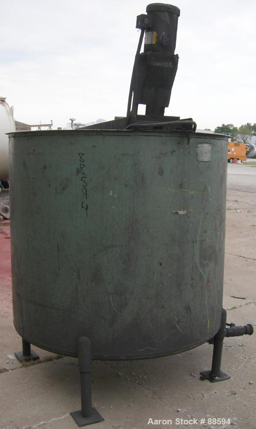 "USED: Perry tank, 500 gallon, 304 stainless steel, vertical. 56""diameter x 51"" deep. Open top, dish bottom. Top mounted carb..."